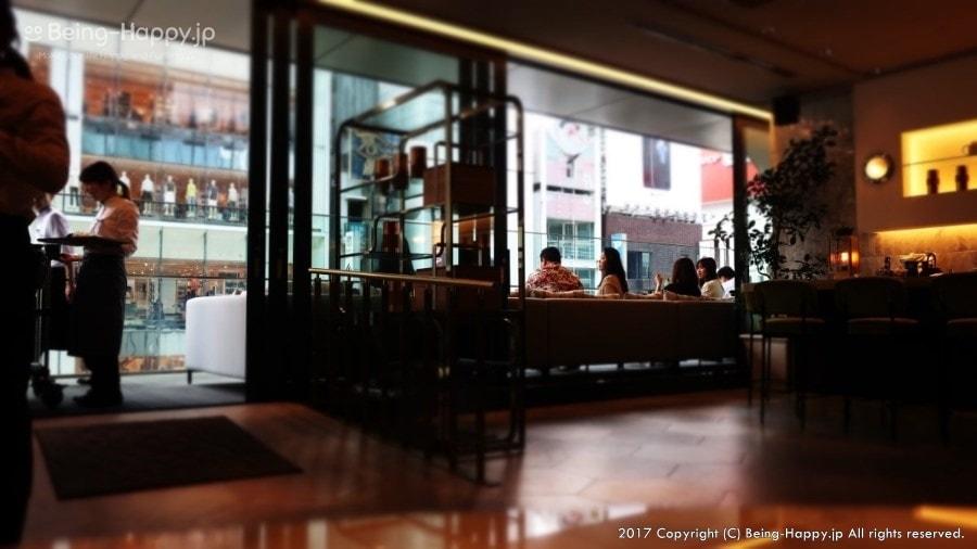 銀座シックスー銀座大食堂の店内(テラスからは銀座の街が一望できる)