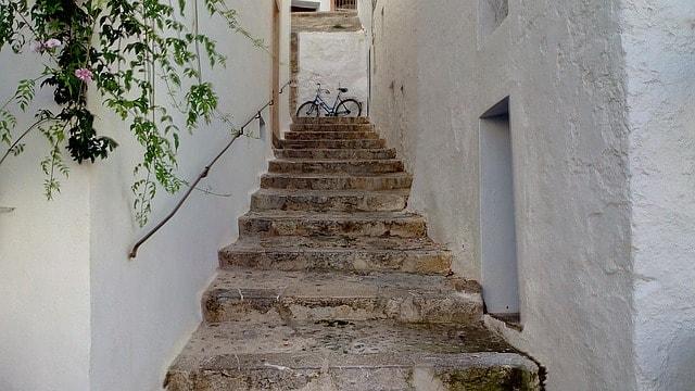 IBIZAバルの名前の由来スペインのイビサ島のイメージ画像