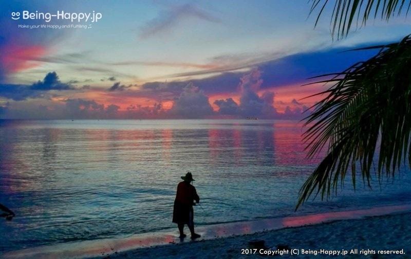 サイパンのビーチと釣り人ーサンセットがきれい