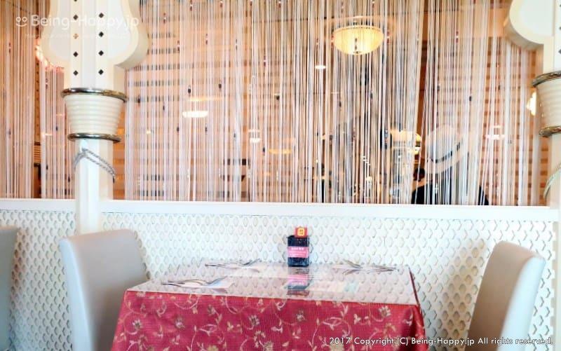 サムラート新宿店の可愛いテーブル席
