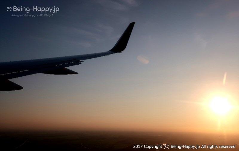 飛行機の中から見た美しいサンセットの空
