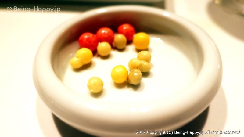 プティフルールの1つ、小さなチョコレートが可愛かったので写真を撮ってみました@Fish Bank TOKYO「フィッシュバンク東京」 photo by 茶子(ちゃこ)