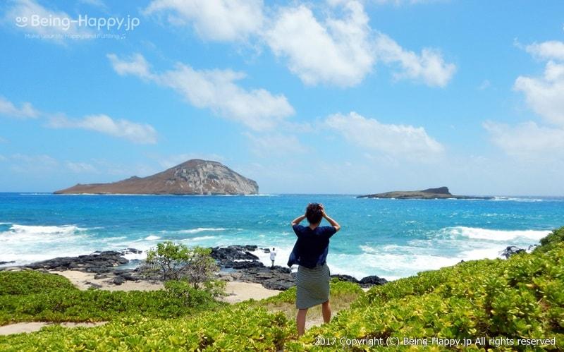 海に向かって走り出す私、茶子(ちゃこ)ーカラニアナオレ・ハイウェイ(Kalanianaole Hwy) マカプウ、ハナウマ湾、ワイマナロ、カイルアなど、数々の絶景を臨めるとして人気のドライブコース photo by 茶子(ちゃこ)