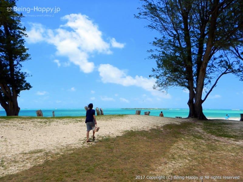 カイルア・ビーチ(Kailua Beach)を走る私、茶子(茶子) photo by 茶子(ちゃこ)