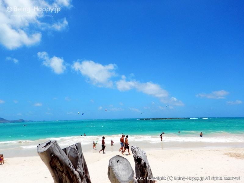 カイルア・ビーチ(Kailua Beach)は奇跡の絶景だった。ビーチと海と青空 photo by 茶子(ちゃこ)