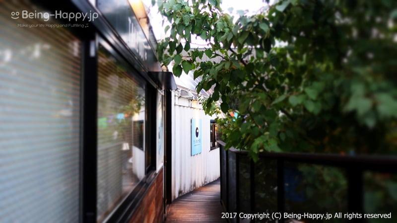2階ー通路@ 代々木ビレッジ VILLAGE photo by 茶子(ちゃこ)