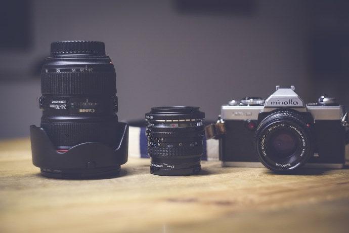 カメラとレンズのイメージ画像