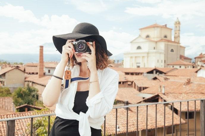 日常的にカメラを使うイメージ画像