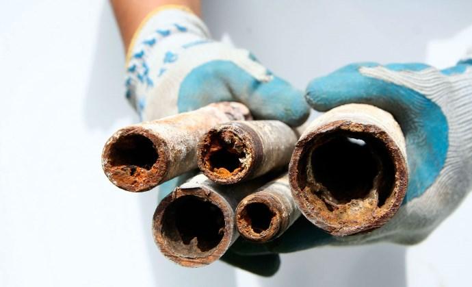 老朽した水道管