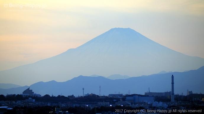 横浜マリンタワー展望台から見た富士山