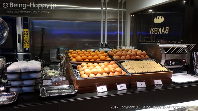 ブリオッシュ、富良野ミルクロール、安納芋ロール、フランスパン