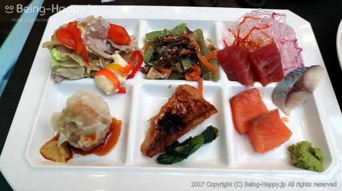 和食ボードとアジアンボードの料理