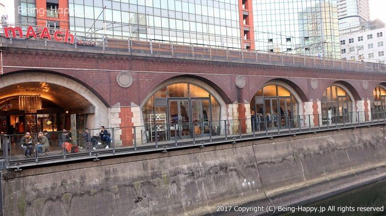万世橋から見たマーチエキュート神田万世橋の赤レンガ