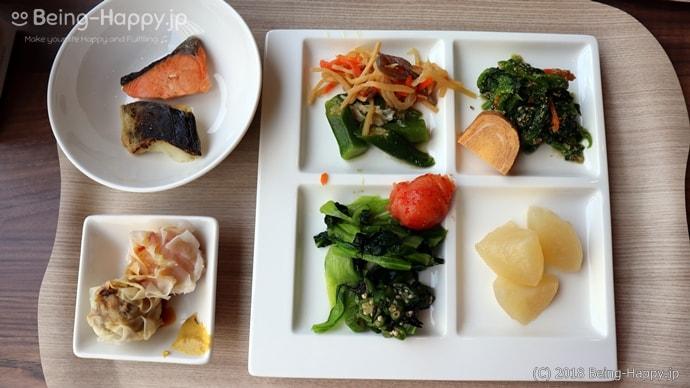 ロイヤルホストのモーニングビュッフェの和食と中華