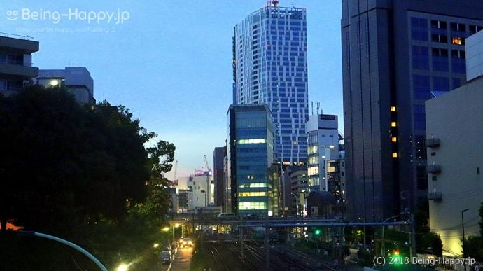 夕暮れに沈む渋谷ストリーム