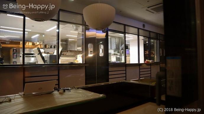 渋谷ブリッジ:厨房は作業中