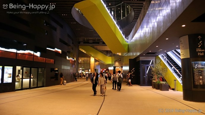 渋谷ストリーム2階のインフォメーションセンター近く