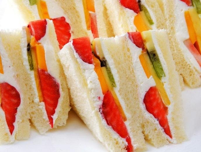 千疋屋総本店フルーツパーラーのフルーツサンドイッチ