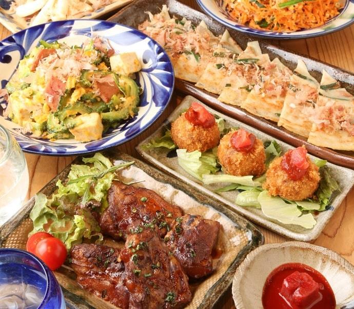 沖縄家庭料理 琉球市場 やちむんの料理
