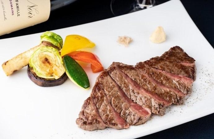 マルゴ丸の内のステーキ