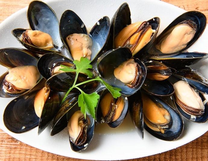 ビアカフェ ブルッグス ゾットのムール貝の白ワイン蒸し