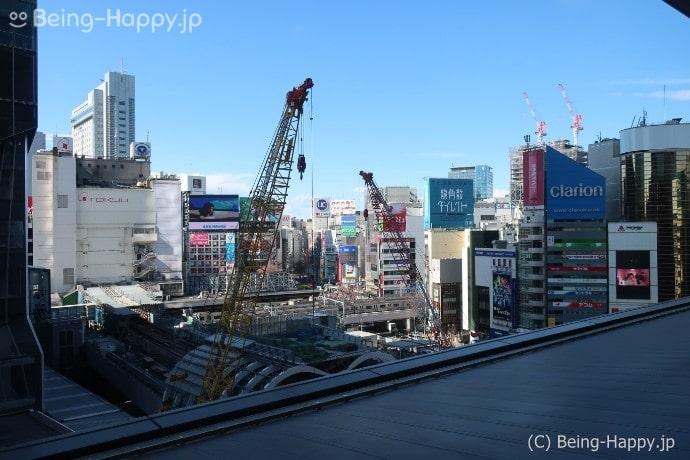 ダンプリングタイムの店内から見た渋谷の景色