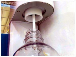 ソーダストリーム旧製品は、毎回ボトルを回転させて着脱する手間がかかります