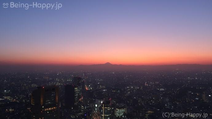 渋谷スカイ 夕暮れ時の富士山