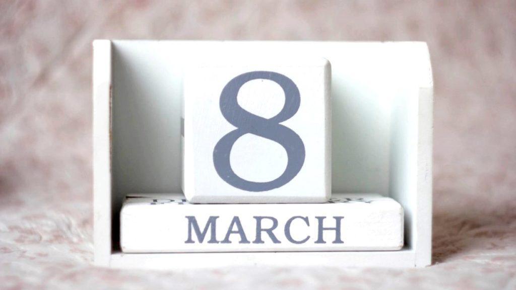 3月8日のカレンダー